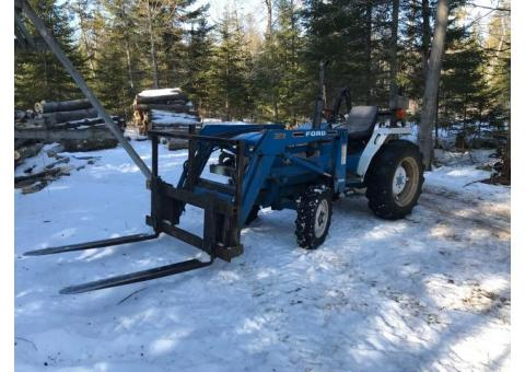 Ford 1720 tractor